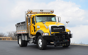 With a tight steering radius, Granite MHD is perfect for narrow streets and crowded jobsites.