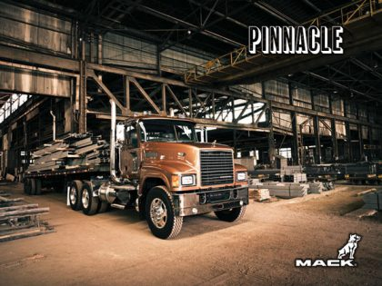 Pinnacle-Axle-Forward-Rawhide-Edition-with-Flatbed-002b